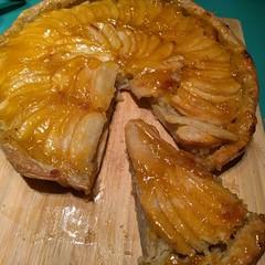 Glossy apple frangipane tart. #knightpatisserie #baking