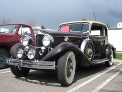 packard super eight(0.0), touring car(0.0), cadillac v-16(0.0), automobile(1.0), packard 120(1.0), rolls-royce phantom iii(1.0), vehicle(1.0), antique car(1.0), vintage car(1.0), land vehicle(1.0), luxury vehicle(1.0), motor vehicle(1.0),