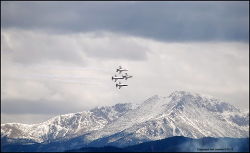 mountain rockies nikon colorado jet graduation denver airshow f16 coloradosprings rockymountains thunderbirds academy usaf pikespeak flyover lockheedmartin unitedstatesairforce fightingfalcon d80 flickrunitedaward newphotodistillery flickrtravelaward compassioninternationalinc
