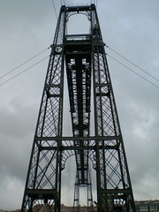 overhead power line(0.0), mast(0.0), tower(0.0), transporter bridge(0.0), observation tower(1.0),