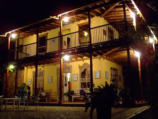 Imagen de un Alojamiento cafetero en la noche