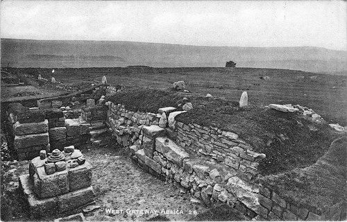 Gibson's photo of the 1895 excavation of the W gateway