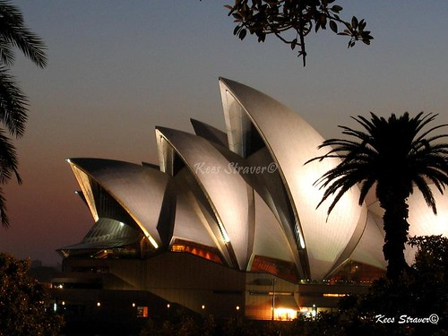 Opera house at dawn - Sydney