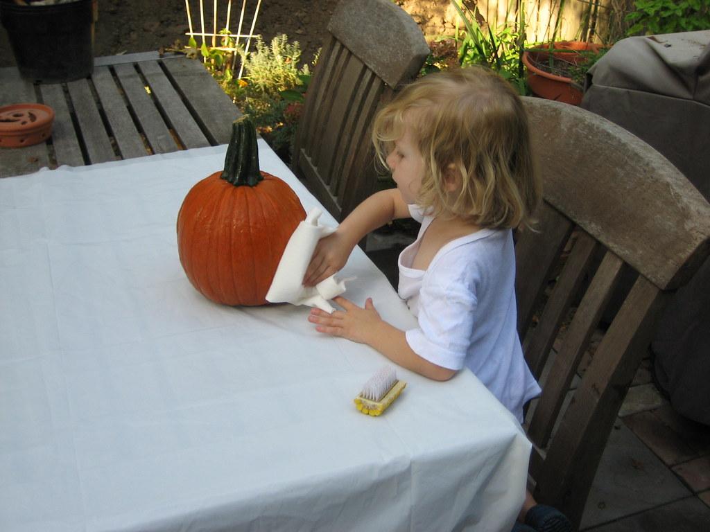 washing the pumpkin