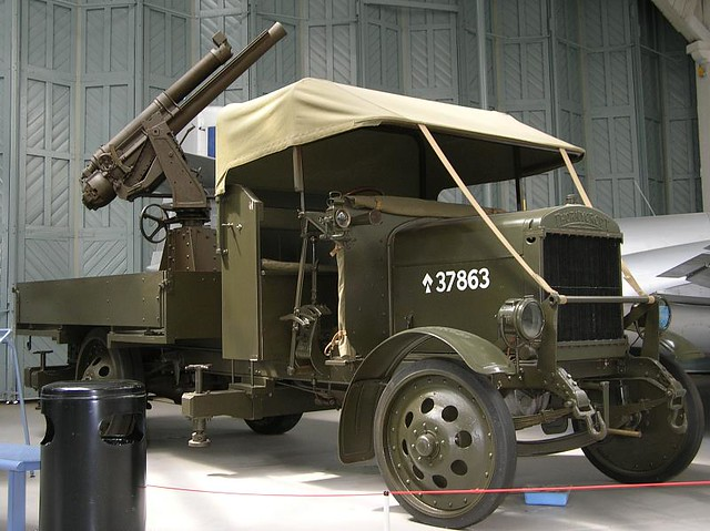 IWM Duxford 0393 - WWI - British - Thornycroft J-Type Lorry 13 pdr Anti-Aircraft Gun - 1915