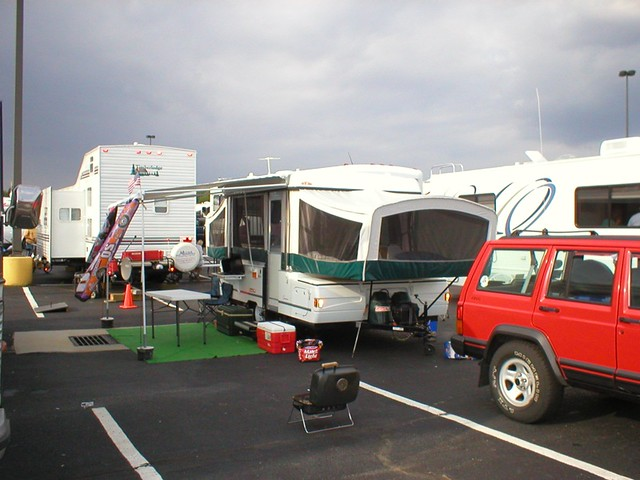 2002 Coleman Cheyenne Pop Up http://www.flickr.com/photos/21000175@N02/2044154742/