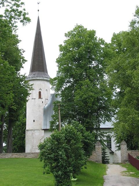 Lüganuse kirik