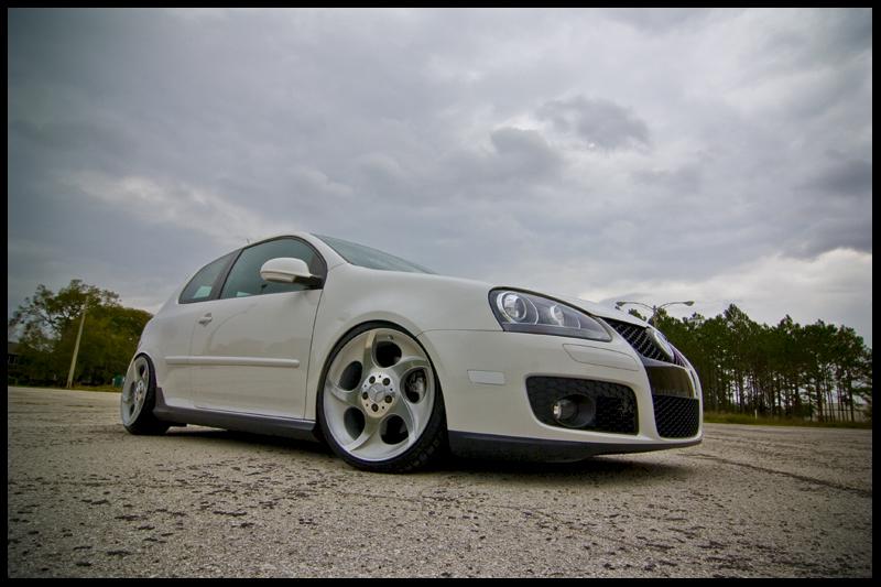 Fs mercedes benz alphard 5 holes brand new tires vw for Mercedes benz alphards