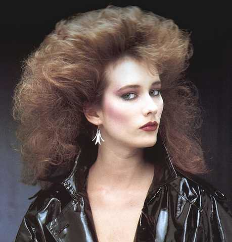 Original 80s hairstyle with bold make-up