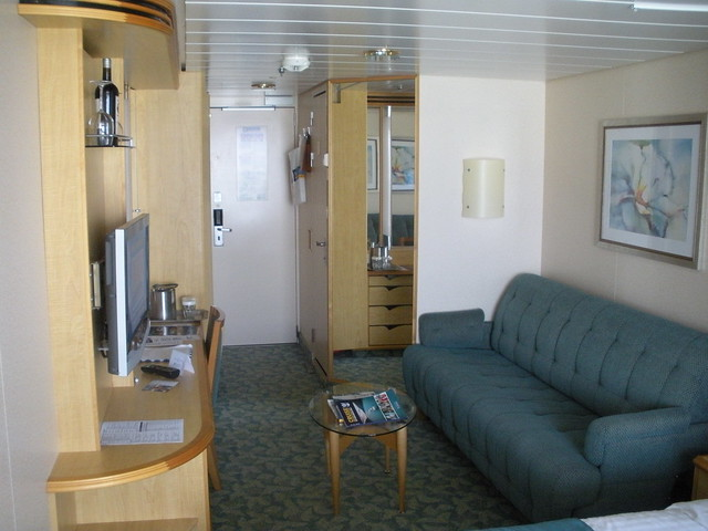 Freedom of the seas oceanview balcony cabin 9374 explore for Liberty of the seas best cabins