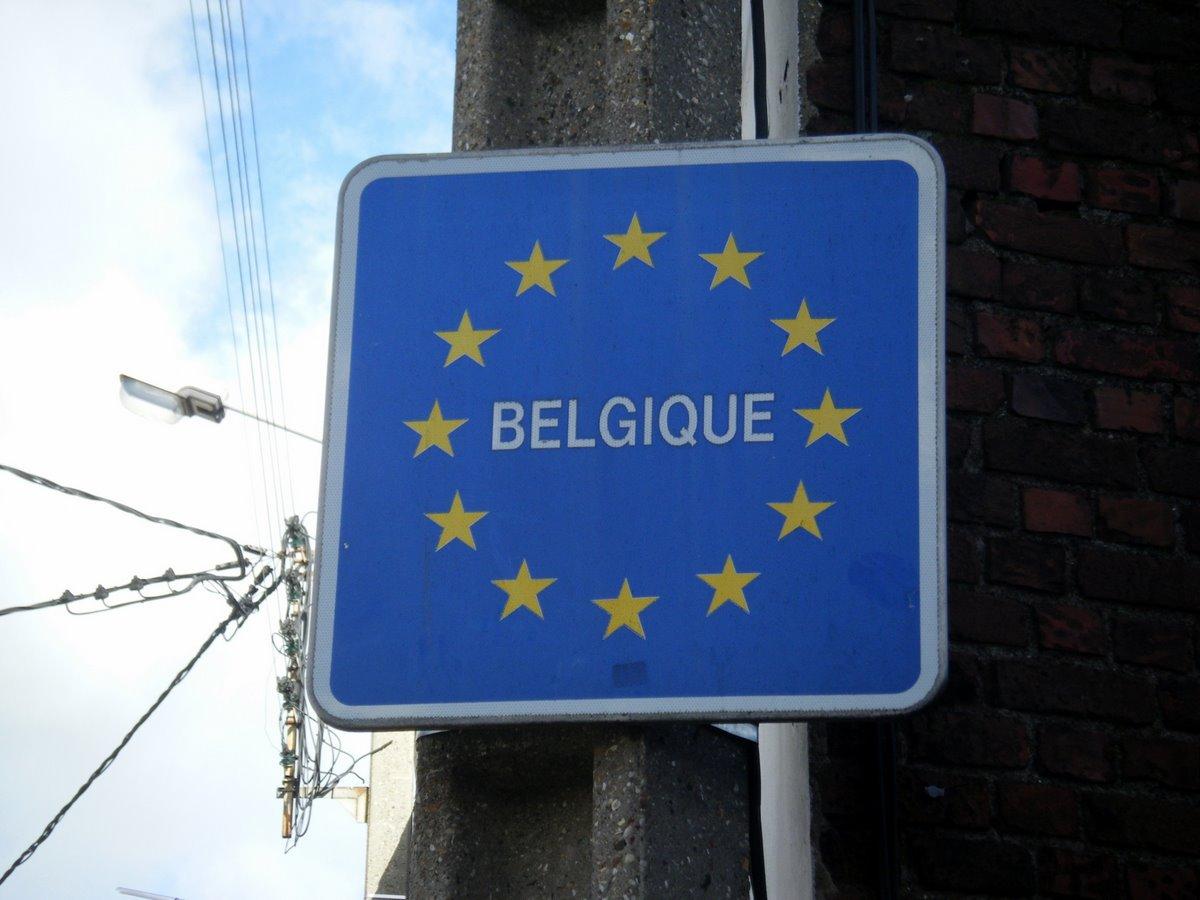 aller retour des roms reconduits quelques minutes en belgique big browser. Black Bedroom Furniture Sets. Home Design Ideas