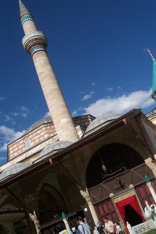 Entrada a la mezquita Selimiye de Konya Konya, el cinturón religioso de Turquía - 2512737667 ee7688df4e o - Konya, el cinturón religioso de Turquía
