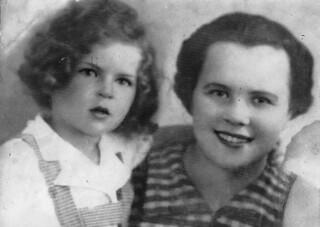 Dora Berkowicz with her son Zigmush - Berkowicz Family - Poland - 1930s