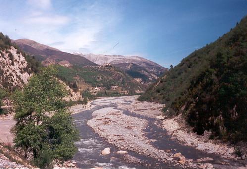 Petite rivière à Guillaumes