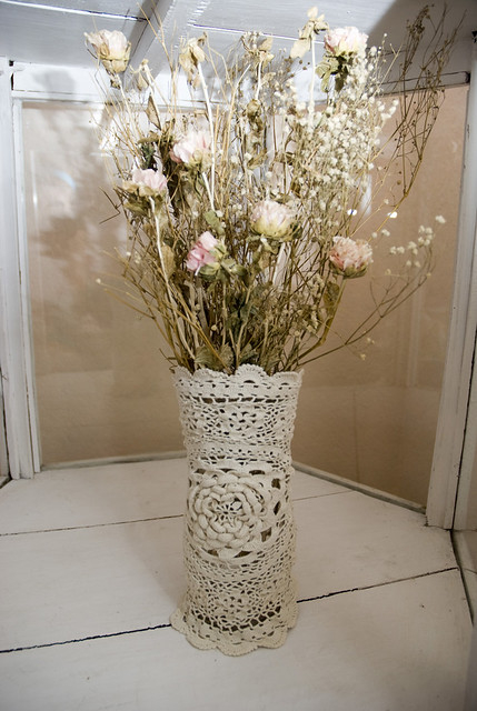 shabby chic wrapped doilie vase this vase brings back. Black Bedroom Furniture Sets. Home Design Ideas
