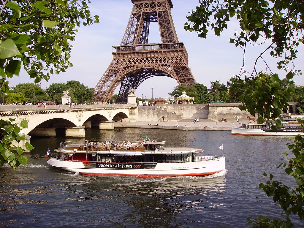 bateau mouche on river seine near the pont d 39 i na and eiffel tower in paris a photo on flickriver. Black Bedroom Furniture Sets. Home Design Ideas