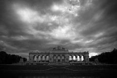Las nubes se cierran sobre Viena