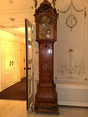 cabinetry(0.0), furniture(1.0), wood(1.0), longcase clock(1.0), antique(1.0), clock(1.0),