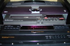 compact disc(0.0), cassette deck(0.0), multimedia(1.0), electronics(1.0), media player(1.0),