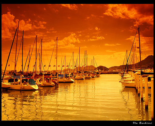 Barcos no mar dourado / Boats at golden sea (Photoart)