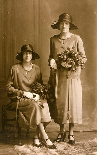 Bridesmaids in 1925