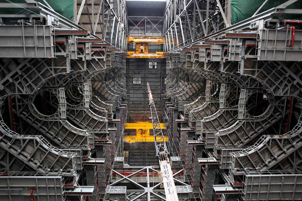 Final Work Platform Installed in Vehicle Assembly Building for SLS