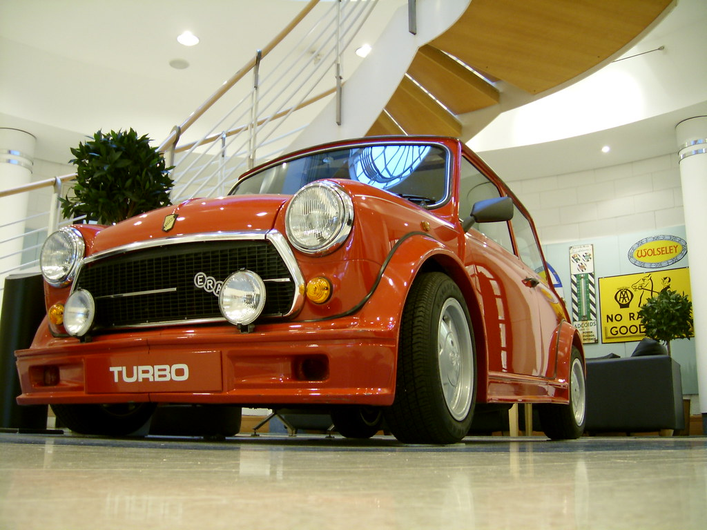 House of classic minis page 17 motoring underground for Classic underground house