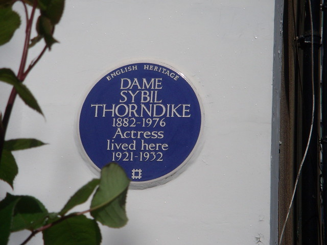 Sybil Thorndike blue plaque - Dame Sybil Thorndyke 1882-1976 actress lived here 1921-1932