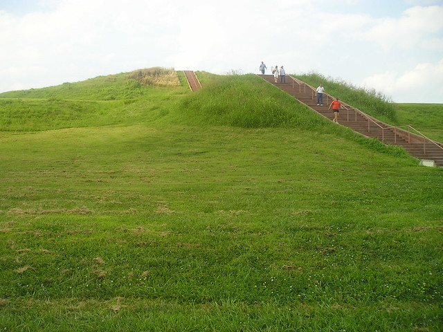 Cahokia Mounds Indians http://www.flickr.com/photos/jackdowell/3526510347/