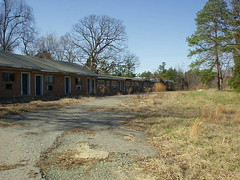 Abandoned motel in Huntersville, NC