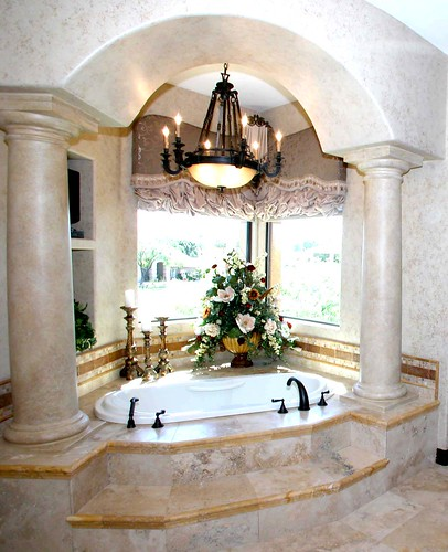 Luxurious Master Tub