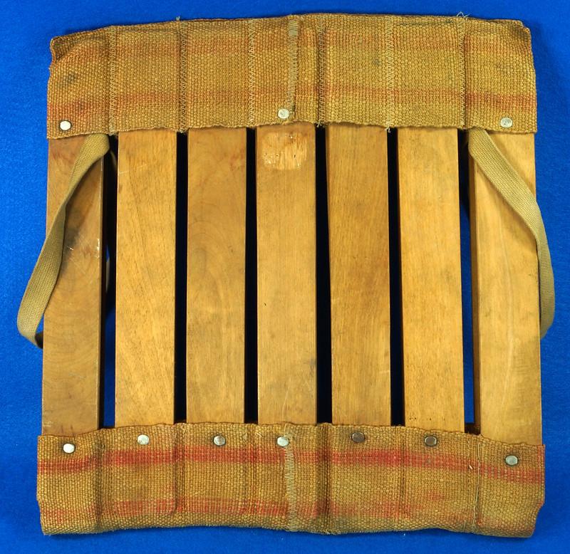 RD0941 Vintage Wood Slat and Burlap Portable Stadium Seat Folding Chair DSC09072