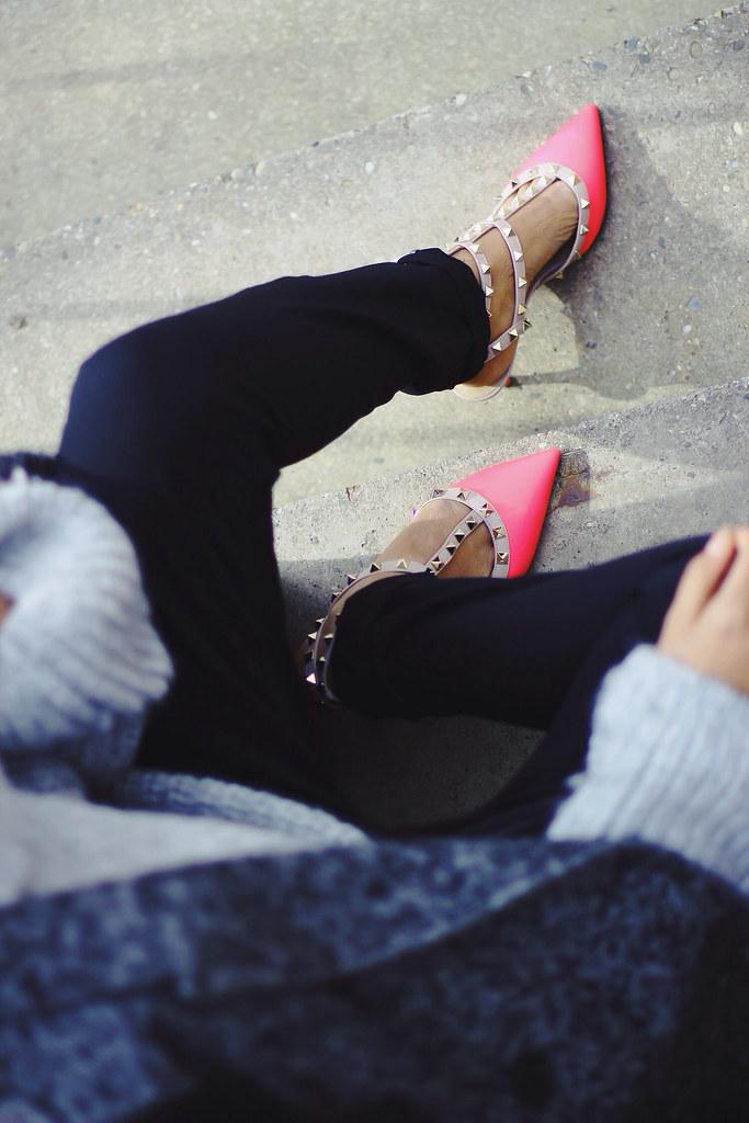 Acne Chain Bag, Valentino Rockstud Pink Pumps, ModeJunkie, Sigrun Woehr