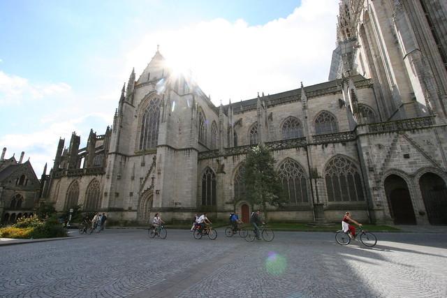 Saint-Corentin et des cyclistes I