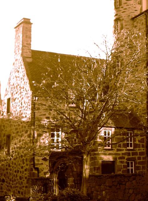 Imag0126v provost skene 39 s house aberdeen by mike h for 48 skene terrace aberdeen