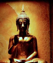 monument(0.0), fictional character(0.0), ancient history(1.0), temple(1.0), religion(1.0), gautama buddha(1.0), statue(1.0),