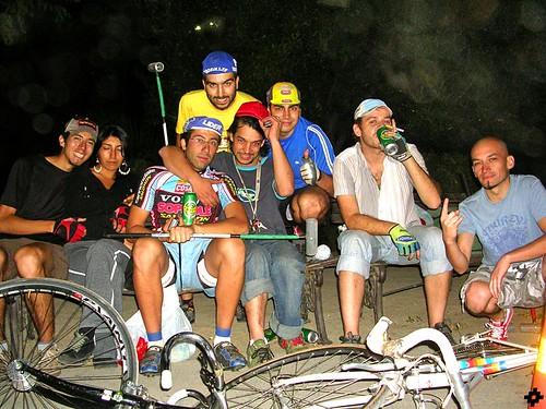 deportistas de la noche 1 (versión shilena)