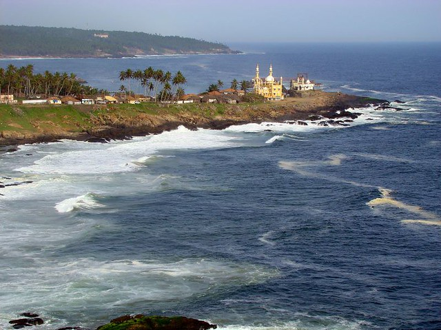 into the deep blue sea.... Vizhinjam Mosque.