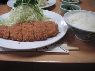 井泉のロースカツ定食