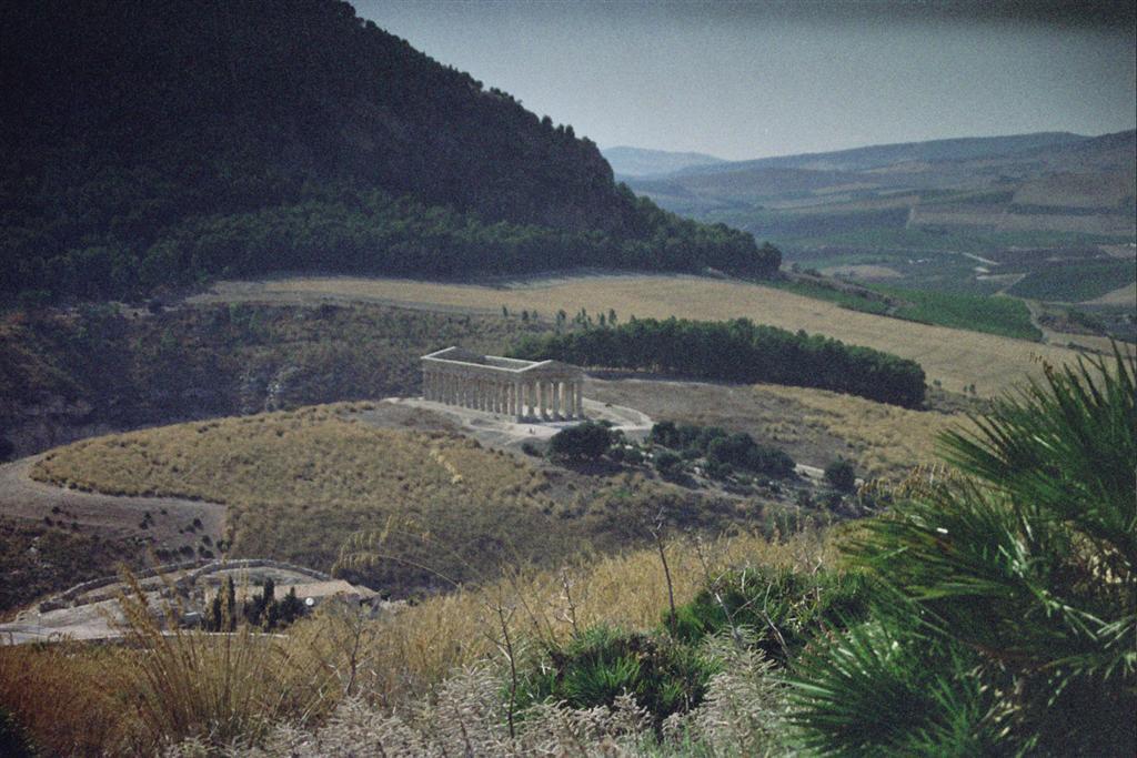 Templo de Segesta visto desde lo alto del Monte Barbaro templo de segesta - 2512773585 9043f609e1 o - Templo de Segesta en Sicilia, el templo de los fugitivos de Troya