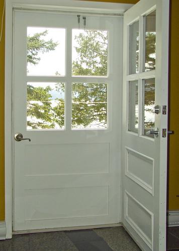 Campagn 39 art b nisterie sur mesure porte d 39 entr e en ch ne for Porte en bois avec vitre