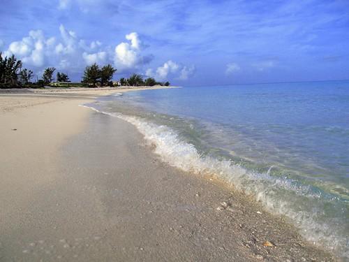 Bimini beach scene