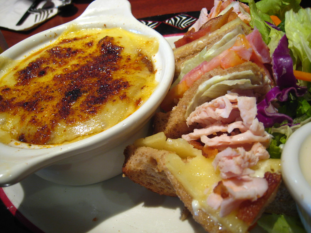 Elephant Bar: Onion Soup + Sandwich