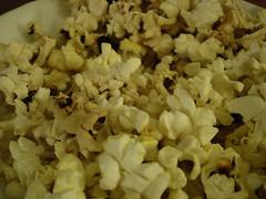 vegetable(0.0), produce(0.0), kettle corn(1.0), food(1.0), dish(1.0), snack food(1.0), popcorn(1.0),