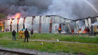 Obrázek Gare de Chêne-Bourg. fire geneve firemen 2008 incendie