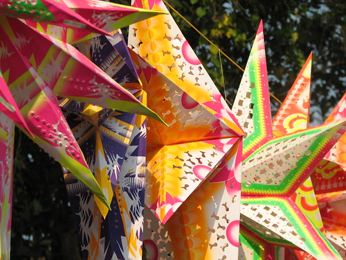 India - Colours of India - 018 - Xmas stars for sale in Cochin