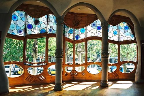 Five facts about casa batllo barcelona - Casa mila or casa batllo ...