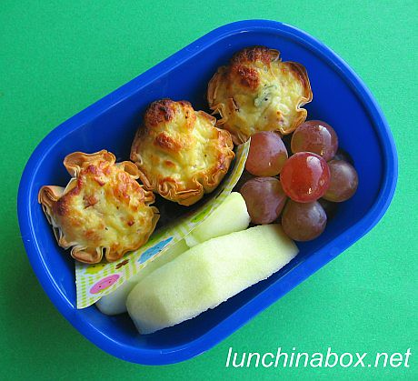 Mini quiche bento lunch for preschooler