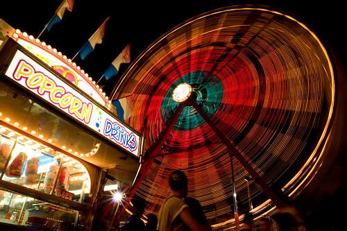 longexposure blue red night canon lights fair 100v10f ferriswheel dcist cropped fairfax photooftheday celebratefairfax eos30d tklancer