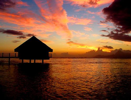 sunset sea sun color colour sunrise island polynesia aqua sundown sunsets tahiti sunbeam soe islandlife blueribbonwinner supershot passionphotography anawesomeshot